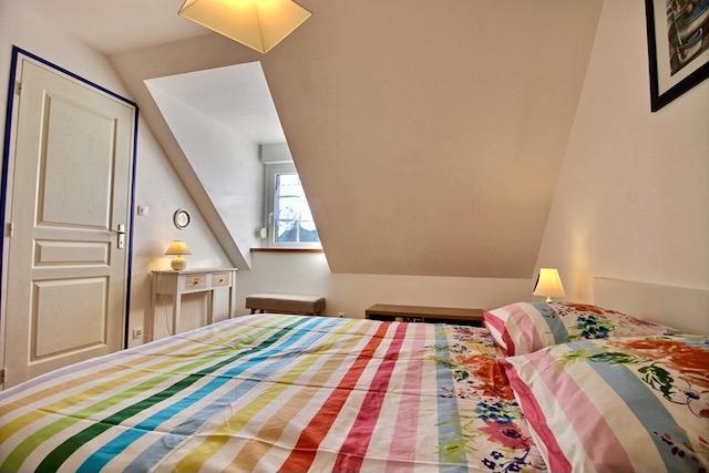 chambre lit double la chouette blanche location d'un gîte