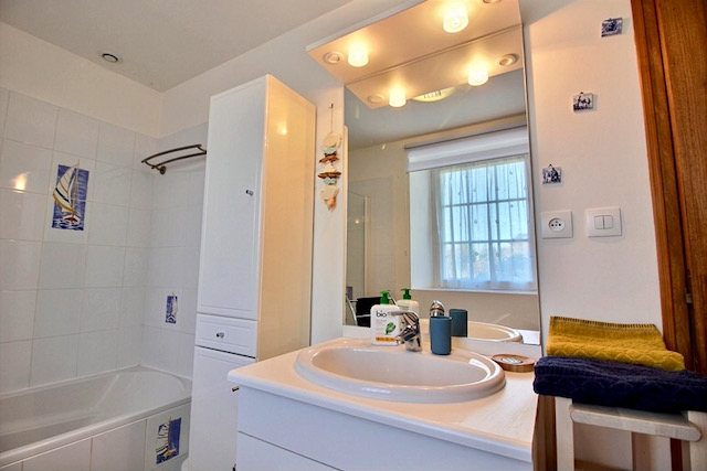 salle de bain la chouette blanche location d'un gîte